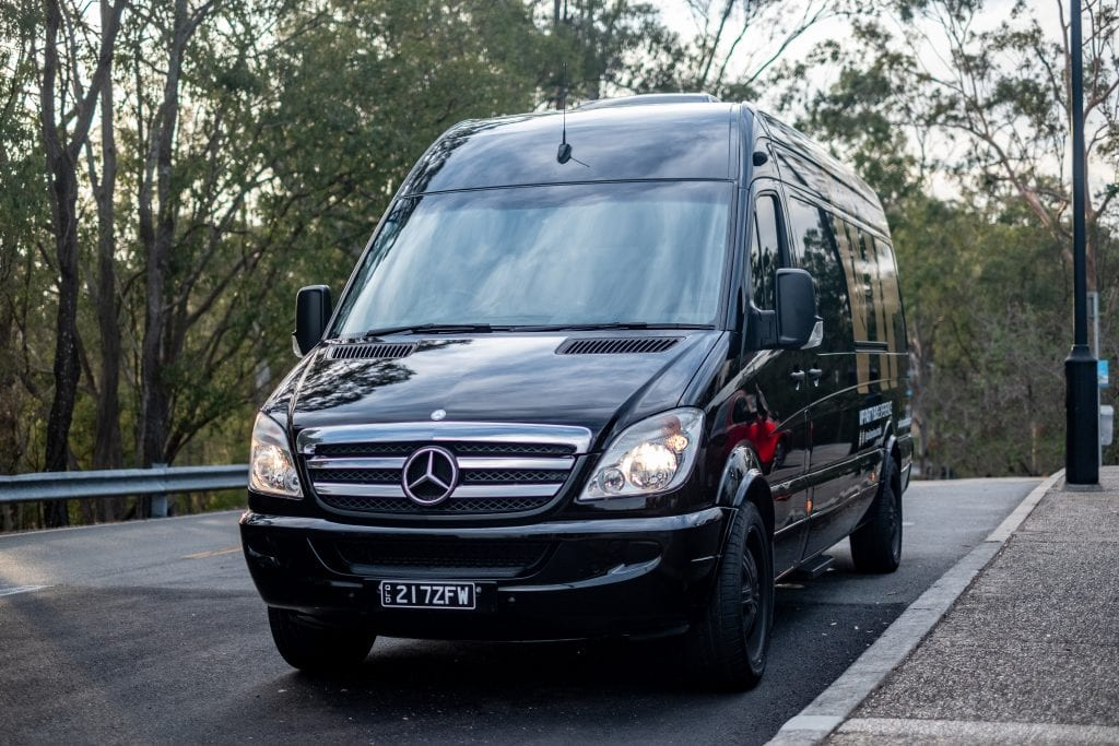 brisbane airport limousine service vehicle